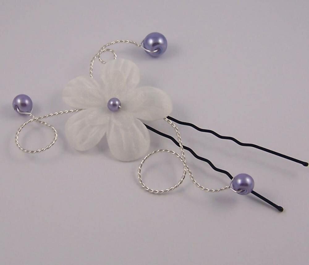 Bijoux de cheveux fleur ivoire et perles lavande pour mariée, demoiselle d'honneur ...