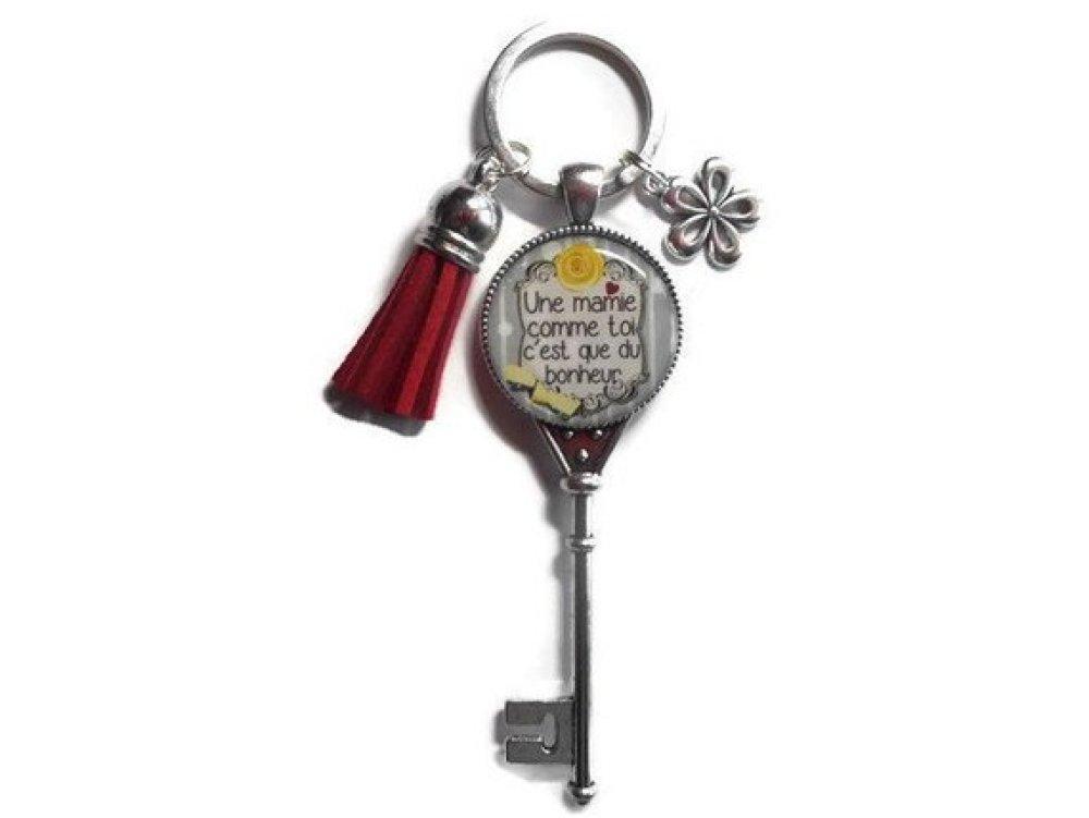 """Porte-clés, bijoux de sac Mamie, """"Une mamie comme toi c'est que du bonheur"""", fête des grands-mères,fête des mamies"""