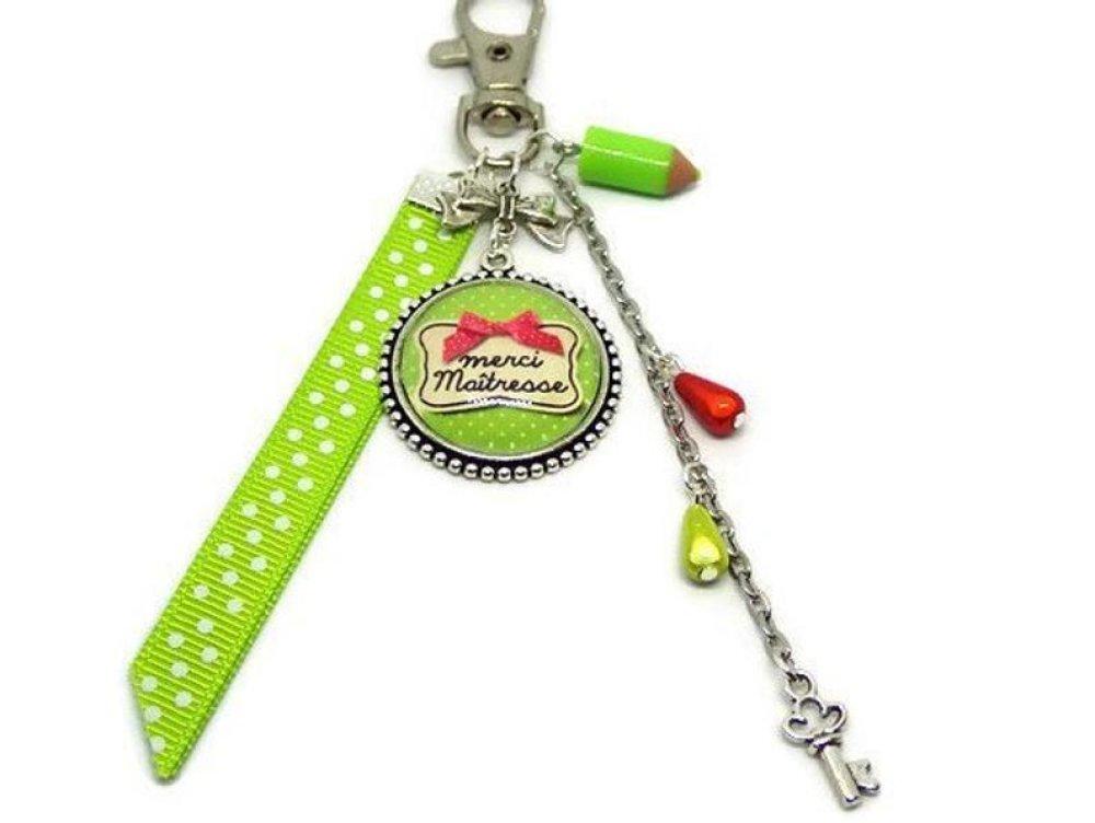 "Porte clés, bijou de sac,""Merci maîtresse"", cadeau de fin d'année maîtresse"