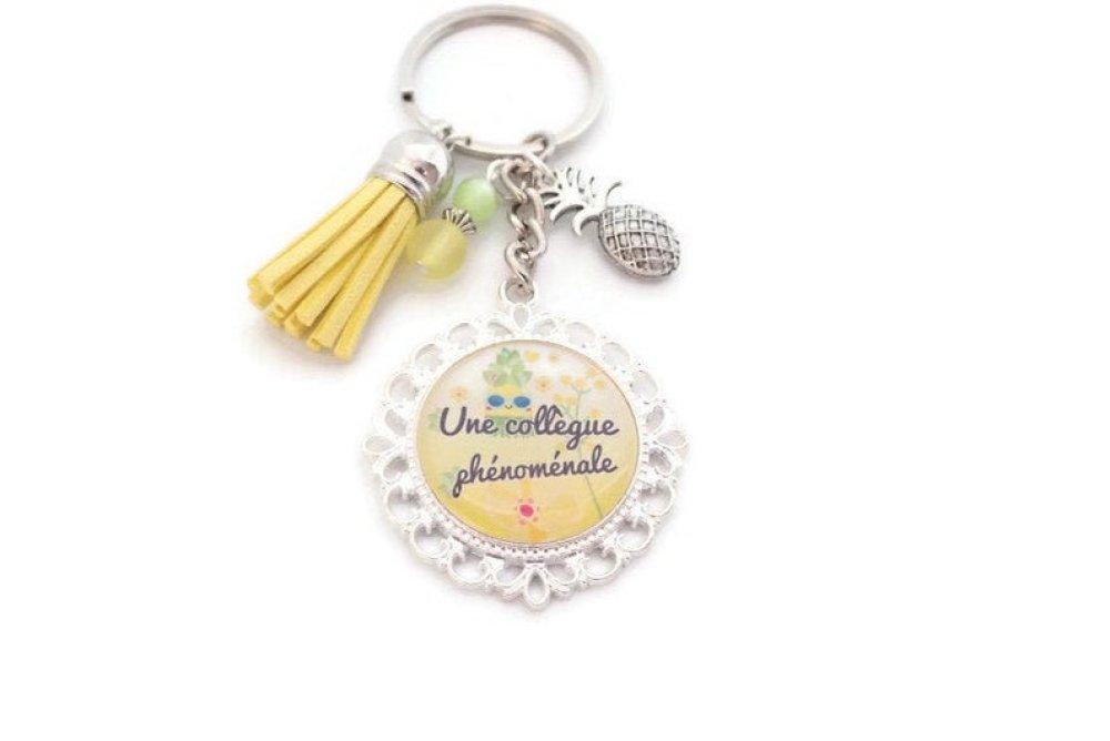 """Porte clés ou bijou de sac """"Une collègue phénoménale"""", cadeau collègue de travail"""