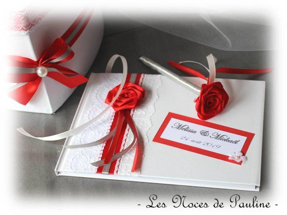 Livre D/'or Satin Rouge Orné de Noeud Ruban Accessoire de Mariage
