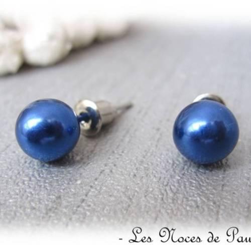 boucle d'oreille femme bleu marine