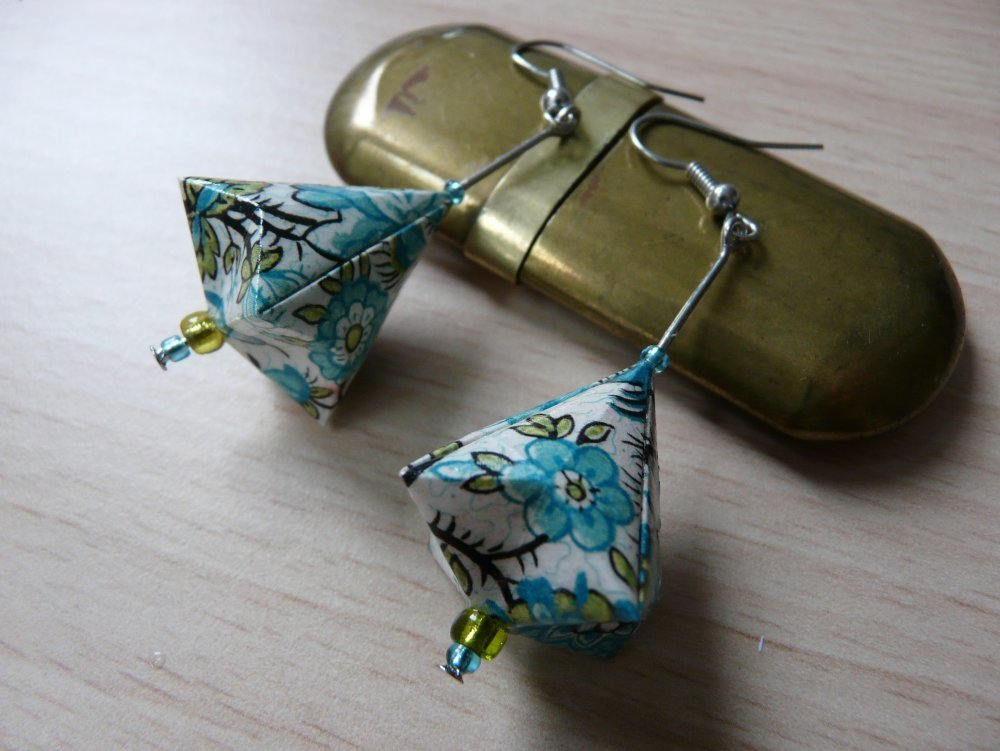 Boucles d'oreilles en origami berlingot diamant fleuri