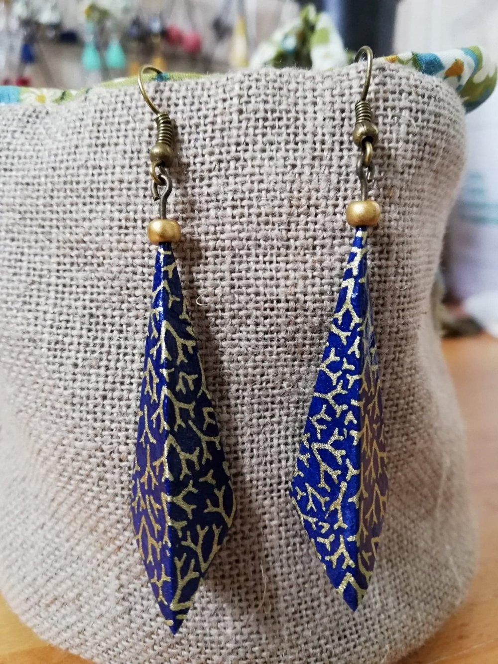 Boucles d'oreilles origami géométriques bleu et or