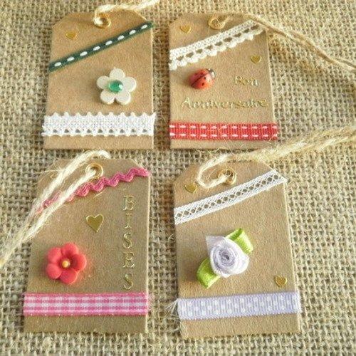 Lot (10) de 4 étiquettes pour cadeaux , faites main , différents décors