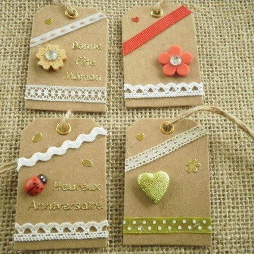 Lot (13) de 4 étiquettes pour cadeaux , faites main , différents décors