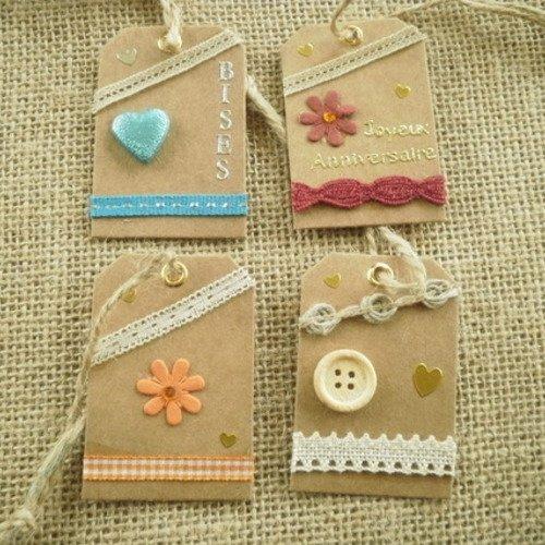 Lot (14) de 4 étiquettes pour cadeaux , faites main , différents décors