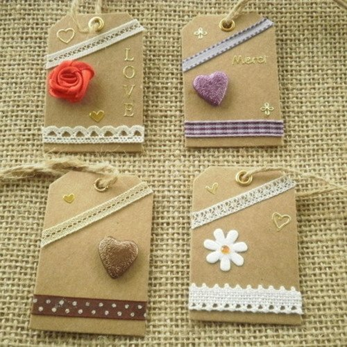 Lot (17) de 4 étiquettes pour cadeaux , faites main , différents décors