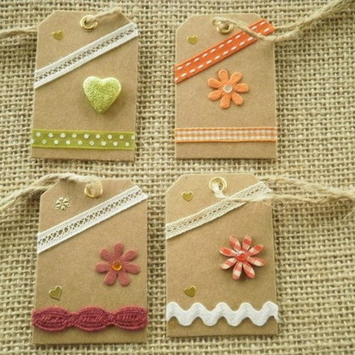Lot (18) de 4 étiquettes pour cadeaux , faites main , différents décors