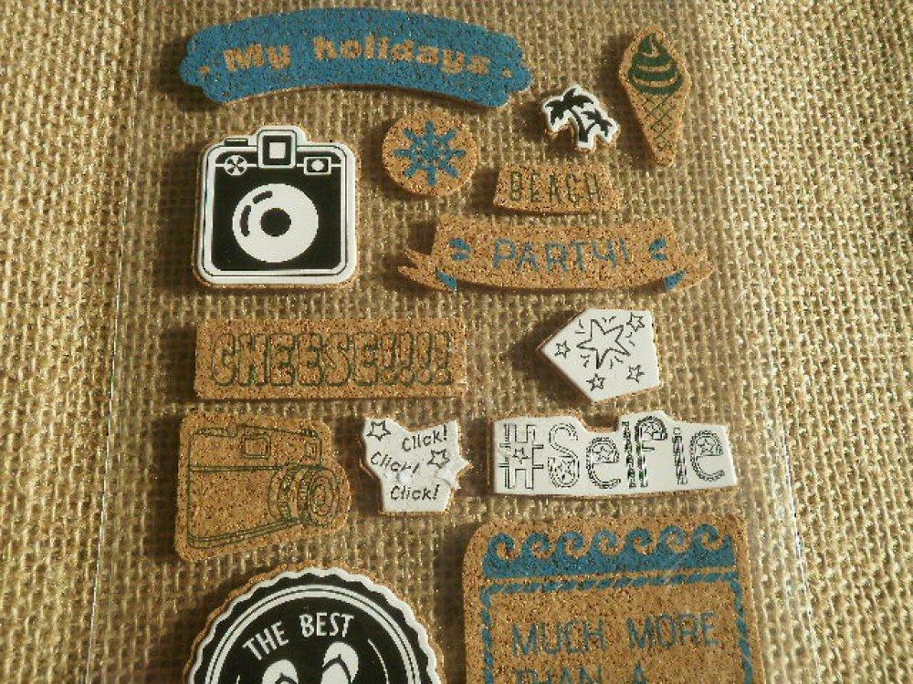 Planche  de 14 stickers en liège , thème vacances et photo  , différentes tailles