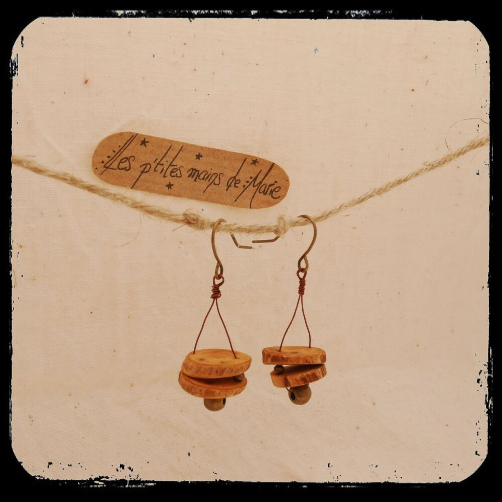 Boucles d'oreilles en bois - buis et perles cuivrées