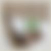 Boucles d'oreilles en bois ( prunier) et perles de verre vertes