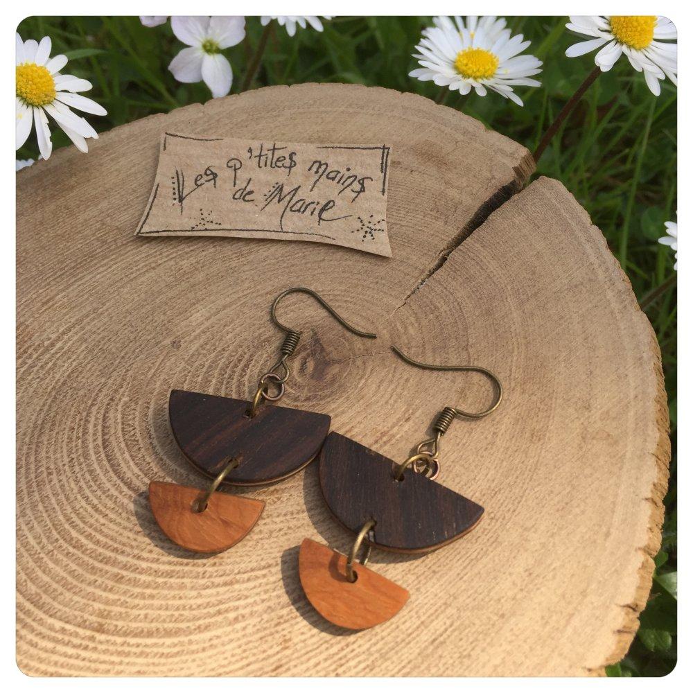 Boucles d'oreilles en bois ( palissandre et if)