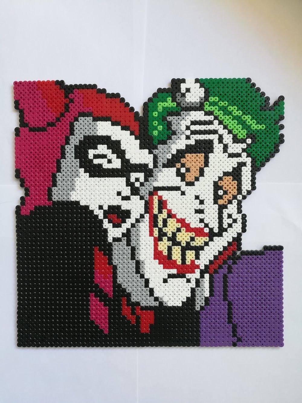 DC COMICS Joker et Harley Quinn - tableau décoration perles à repasser Hama - Pixel Art - Geek Art