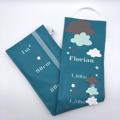 toise, nuage, blanc bleu turquoise vert menthe et gris, décoration chambre  bébé, cadeau de naissance.