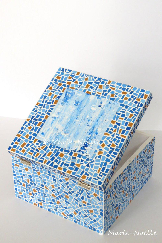 Boîte mosaïque bleue et dorée