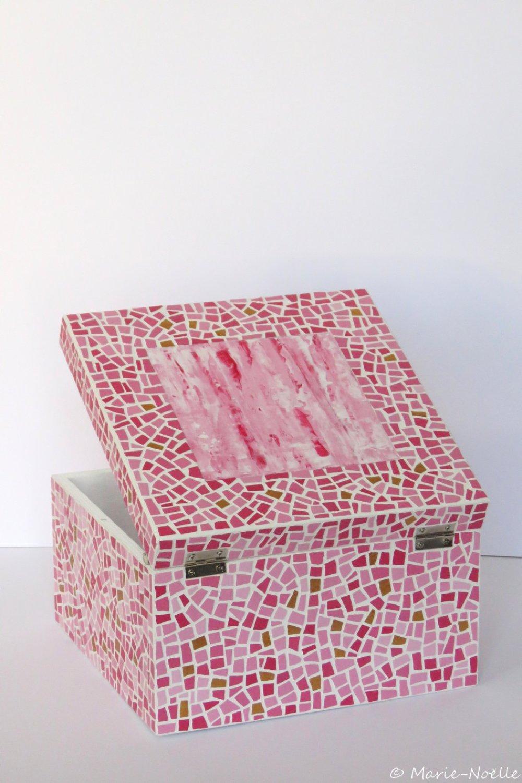 Boîte mosaïque rose et dorée