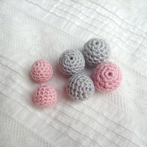 Réservé megane l: lot de12 perles en coton dmc sur perle en bois