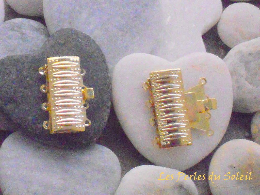 1 fermoir multirangs 4 rangs  boite rectanglulaire de couleur doré en laiton 17 x 26 x 5 mm