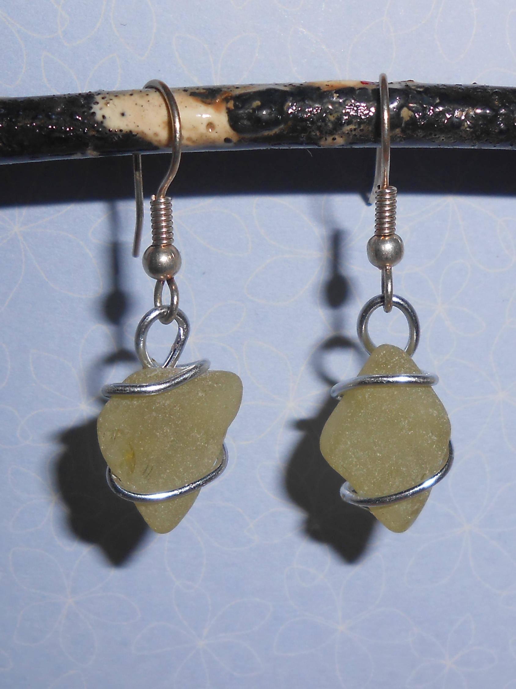 Boucles d'oreilles en verre poli par la mer