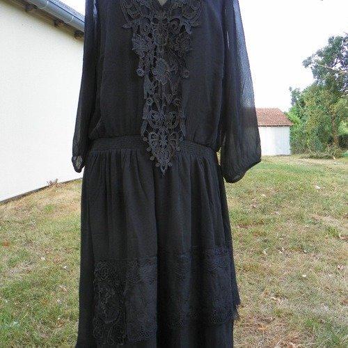 robe noire mi-longue style bohème