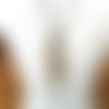 Expression d'une passion : un collier de caractère en cuir tressé avec cabochon crazy lace agate ...