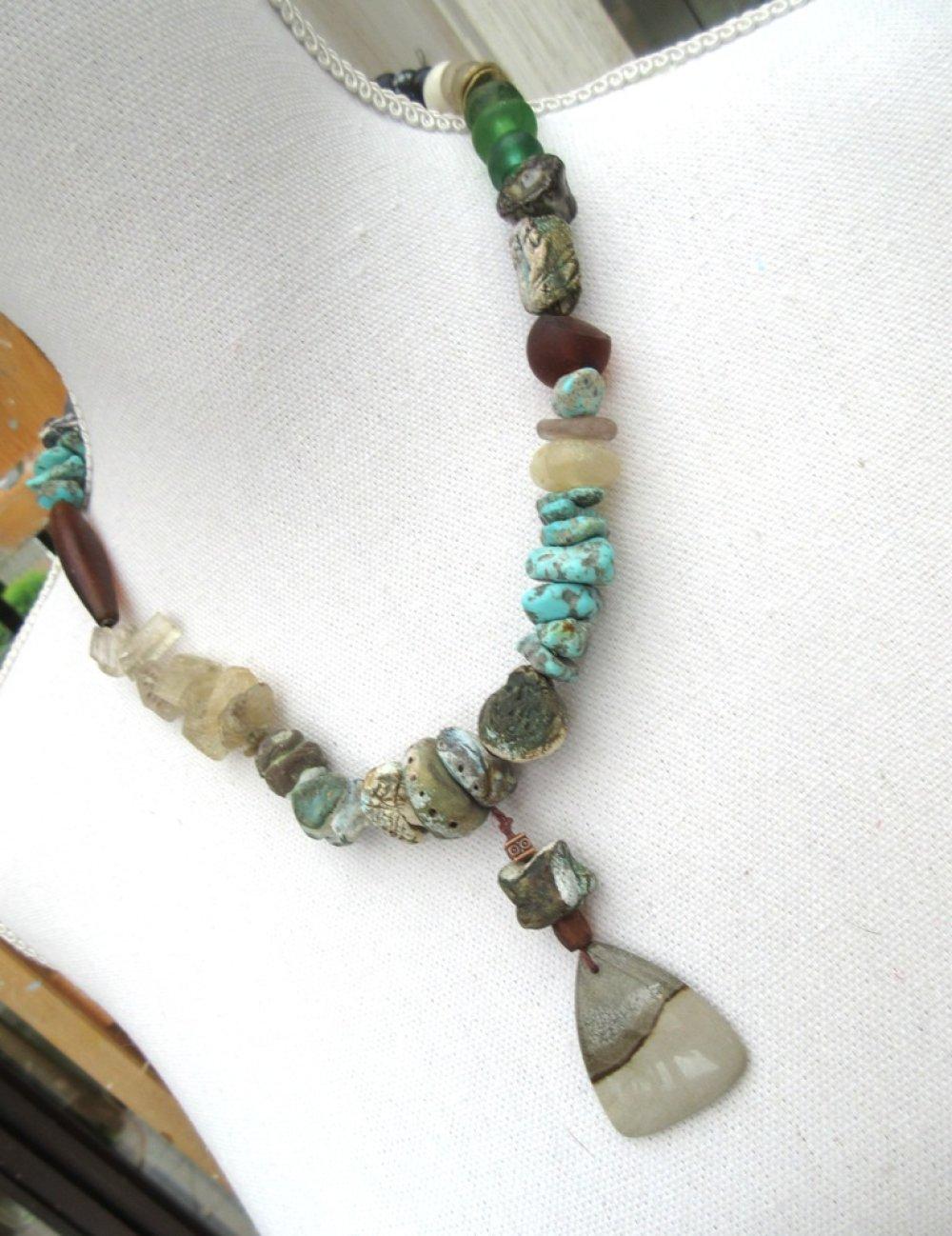 Arôme Du Souvenir : un collier bohème, chic et tribal !!!!!