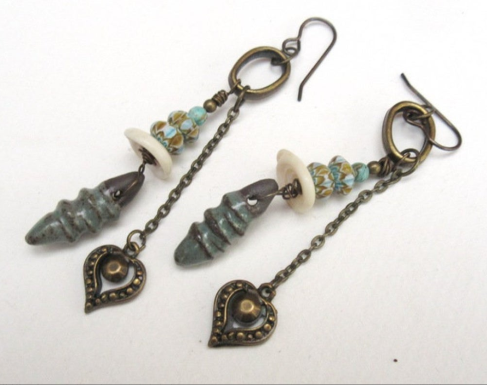 Secrets d'Enfance: Un style gypsy pour ces boucles d'oreille , céramiques artisanales contemporaines