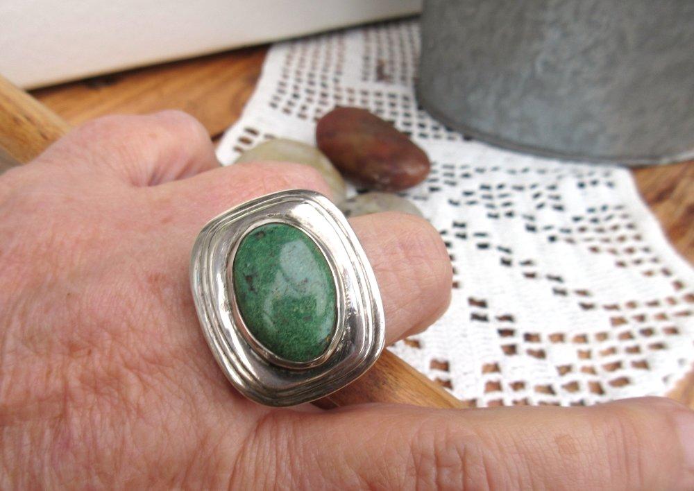 VENDU ......Du Côté Vintage : une bague unisexe argent massif 925 avec cabochon de turquoise d'Afrique !!!!