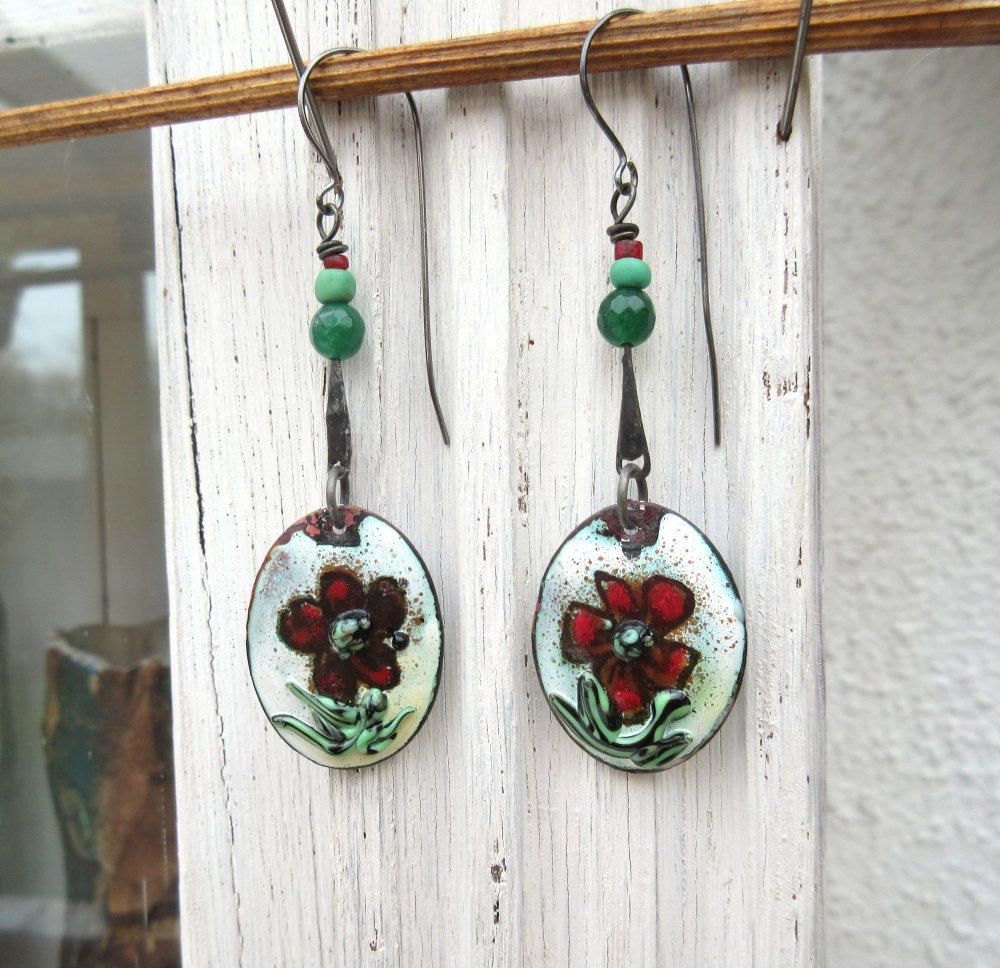 Belles Des Champs  : Une parure collier et boucles d'oreille unique avec charmes coquelicots en émail artisanal  !!!!