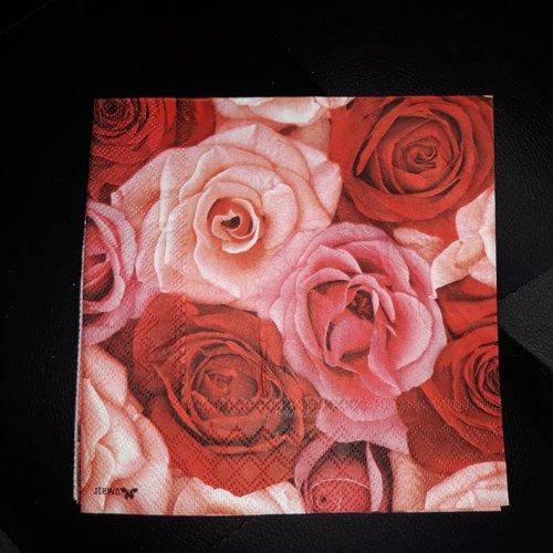 """Serviette en papier  """"bouquet de roses"""""""
