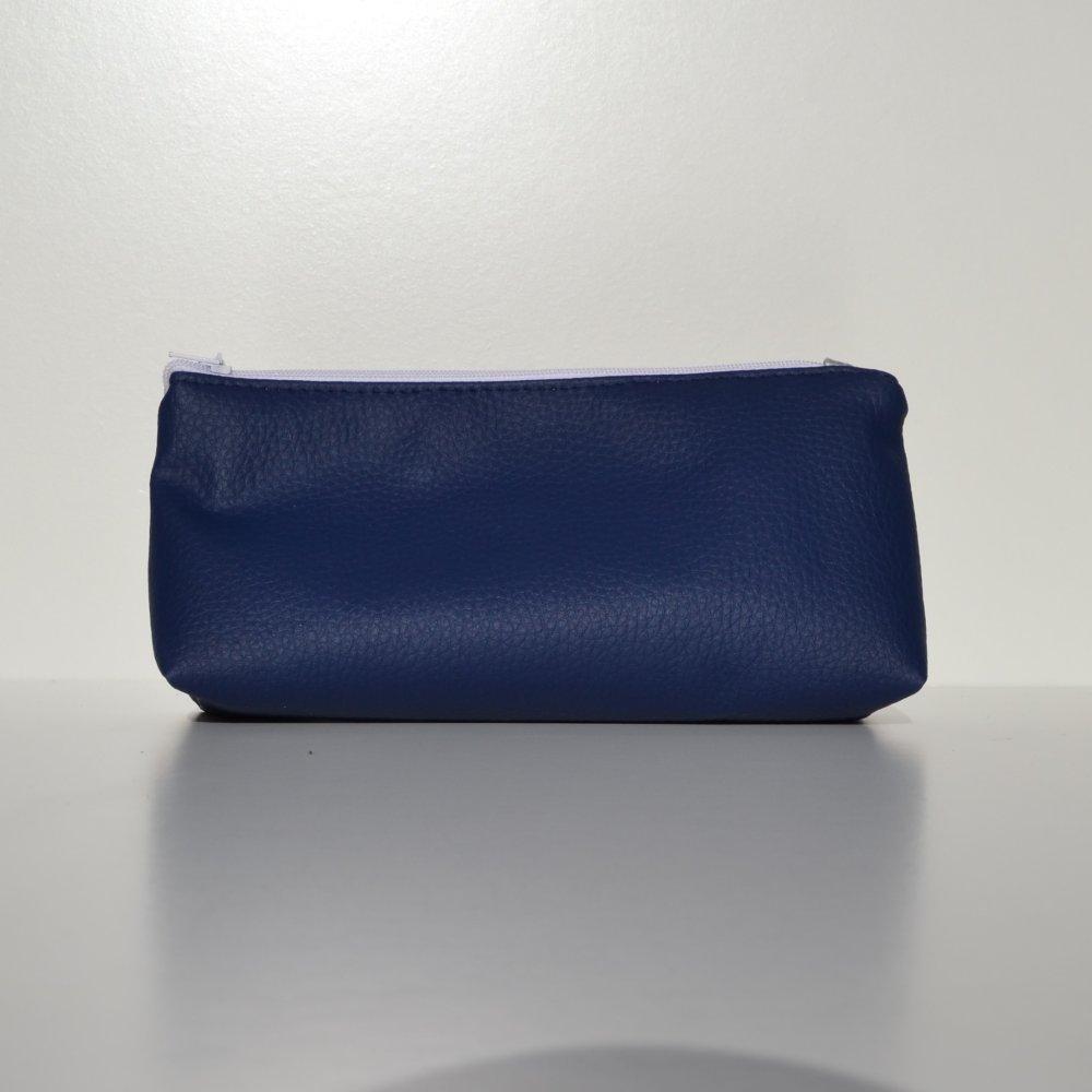 Trousse triangle bleu en simili cuir motif rond