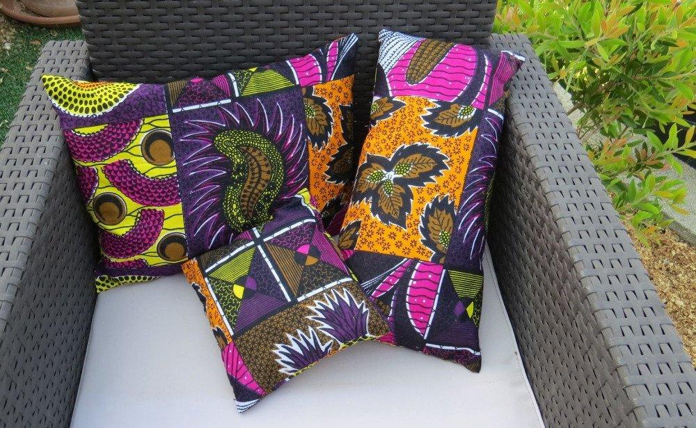 Trio de coussins en tissu africain aux couleurs vives