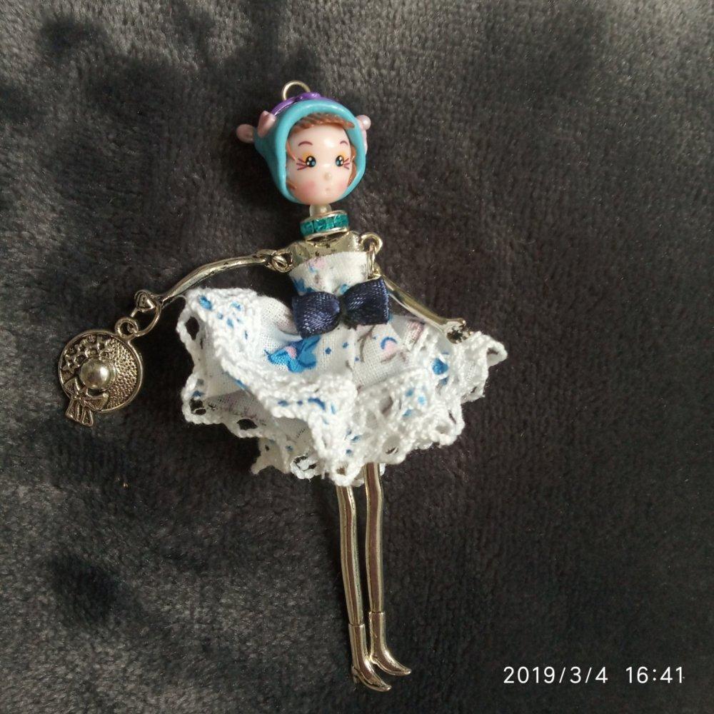 Magnet poupée artisanale M8