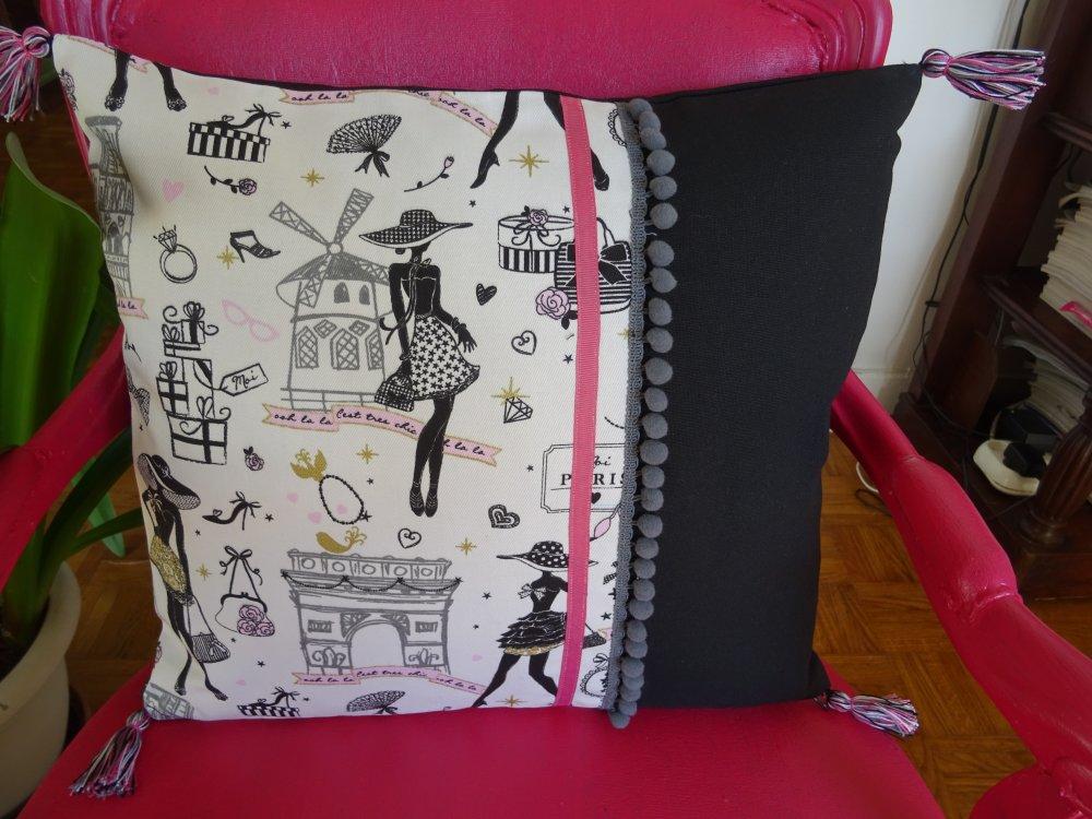 Housse de coussin carrée en tissu d'ameublement la parisienne année 50 , ruban , pompon , vintage !