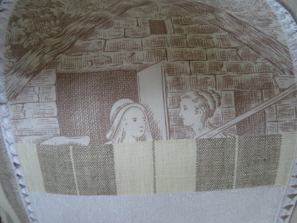 Housse de coussin carrée en patchwork de lin , monogramme ancien , écru , naturel , vintage ;