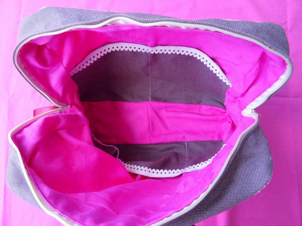 Trousse à couture en tissu de patchwork dans des tons de rose et rouge , zip , doublé , entoilé , charmant , cosy ;