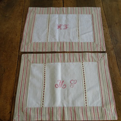 2 sets de table en lin rayé , monogramme sur serviette damassée  ancienne , vintage