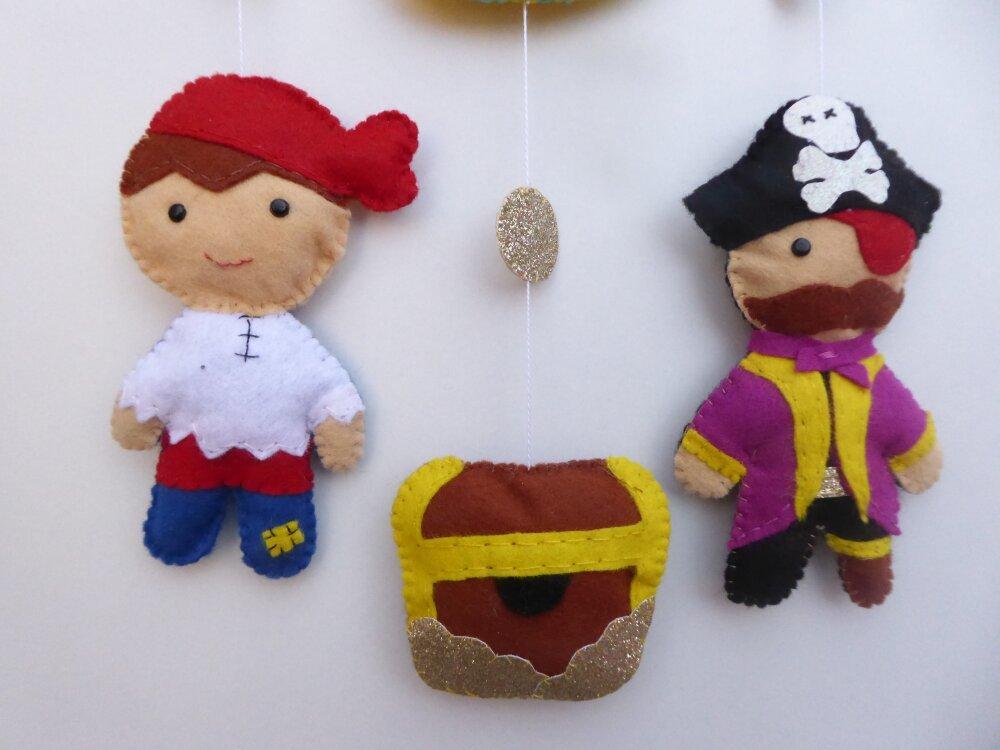 Mobile, mobile mural bébé, pirates