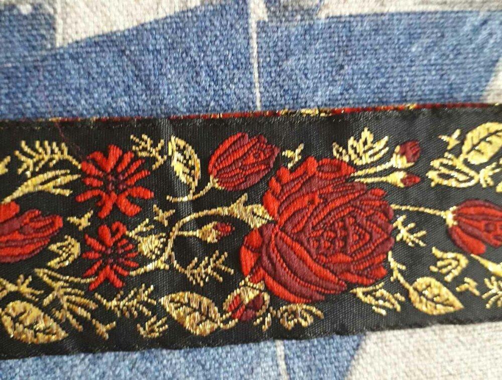Galon Médiéval, Celtique, noir roses rouges et or