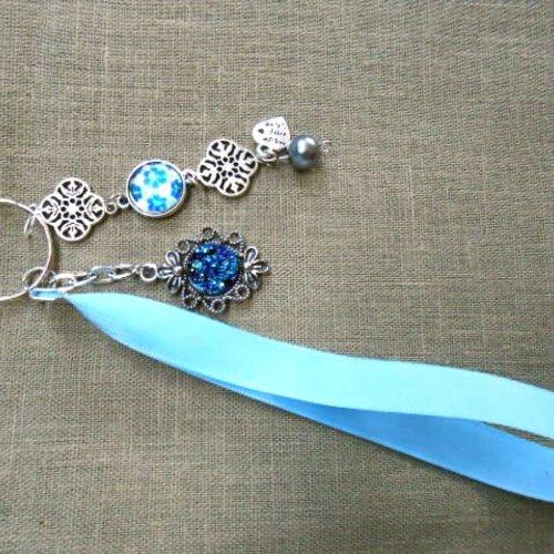 Porte clé, bijoux de sac, gri gri, breloques, cabochon en verre, perle, biais bleu turquoise