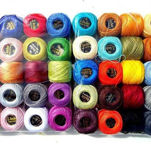 1 pelote de fil jaune ou orange pour crochet , 85 m   * couture, tricot * bobine anchor coloré
