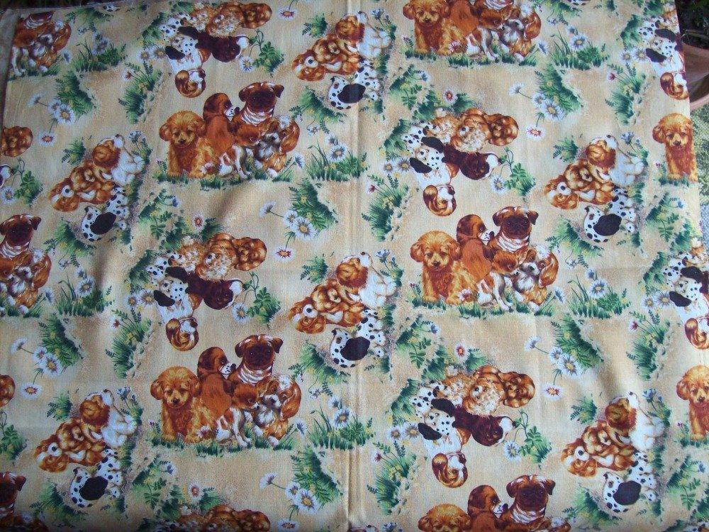 tissus patchwork -  coupon de 45x55 cm - fond beige, motifs chiens -