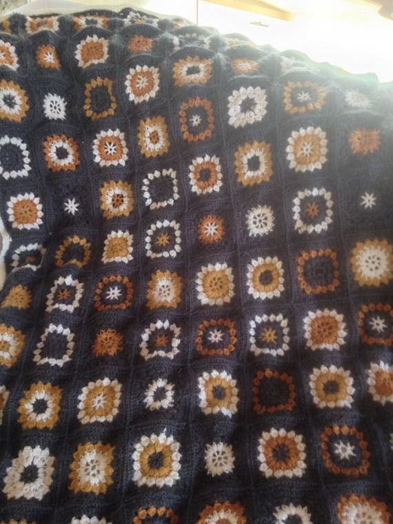 Plaid gris et blanc crochet, en mohair et laine