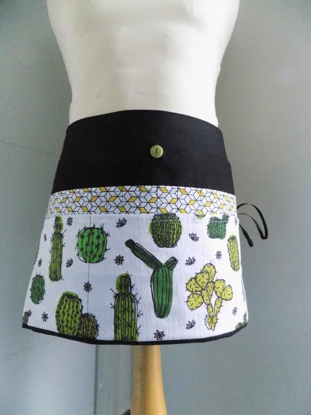 Tablier maîtresse cactus saki noir et blanc   40x35