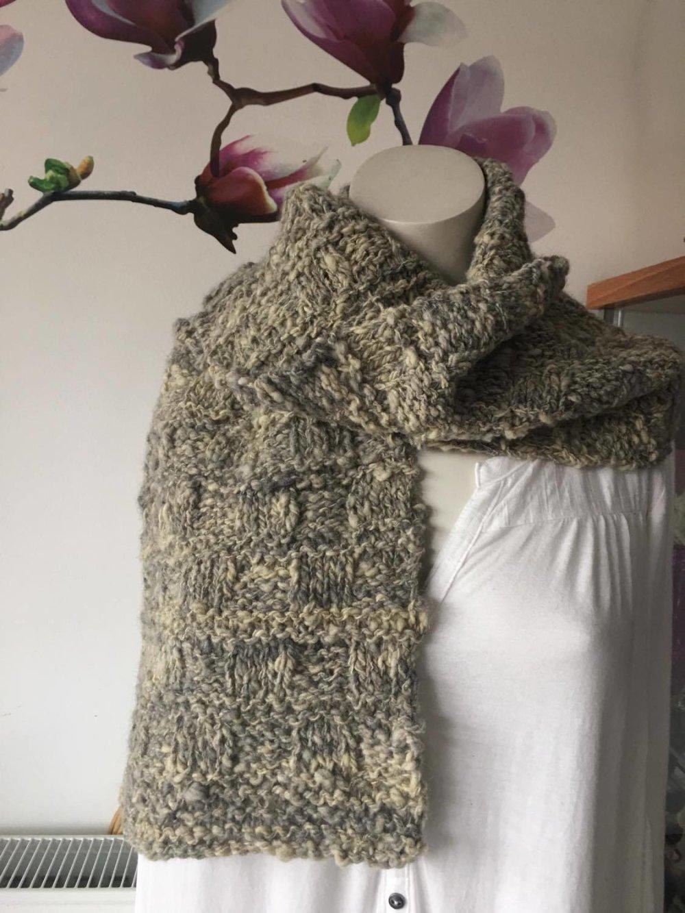 Écharpe femme ou homme (laine + angora) [875] ,tricot main ,laine naturel , mouton ,française , mérinos , texel