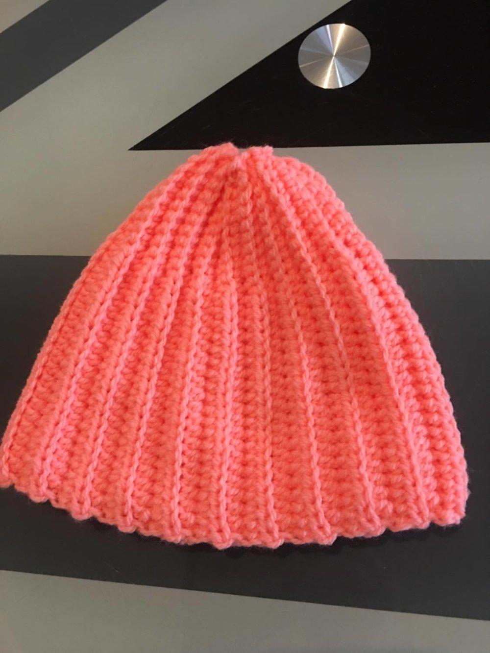 Bonnet 1/3 mois fait main 100% acrylique  (réf 877)