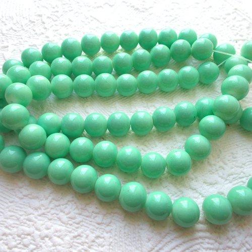 Perles en verre ronde verte