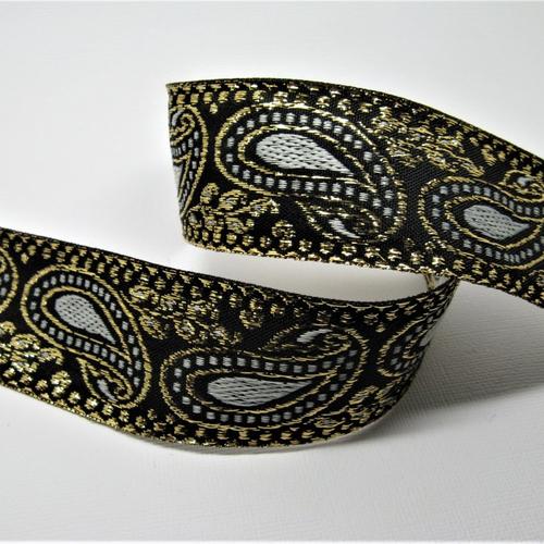 Ruban tissé fond noir avec motif arabesques avec fil métal or