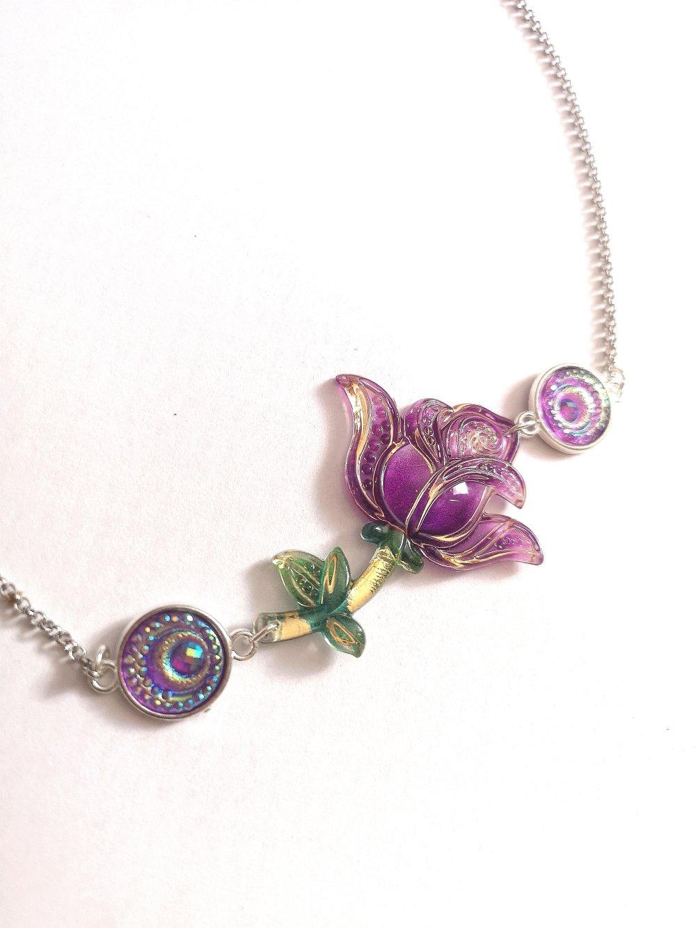 Collier rose violet